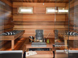 Ajastimella tai etäyhteydellä lämmitettävissä saunoissa ei saa säilyttää mitään helposti syttyvää materiaalia.