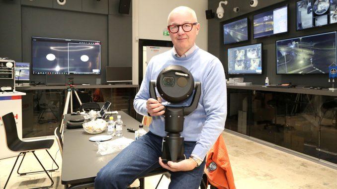 Boschin Pekka Lakkonen toivottaa kaikki asiakkaat tutustumaan yhtiön uusiin esittelytiloihin Vantaalle lentokentän kupeeseen.