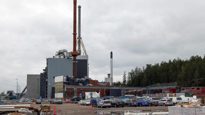 Lahteen vuonna 2020 valmistuvan Kymijärvi III -voimalan halli on 50 metriä korkea.
