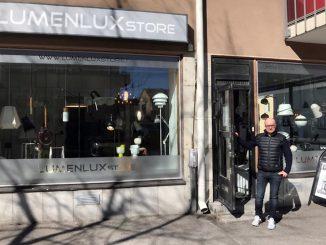 LumenLux Storen Pekka Hynnisen mukaan kivijalkakaupassa asiakas saa varmuuden hyvästä ostoksesta.
