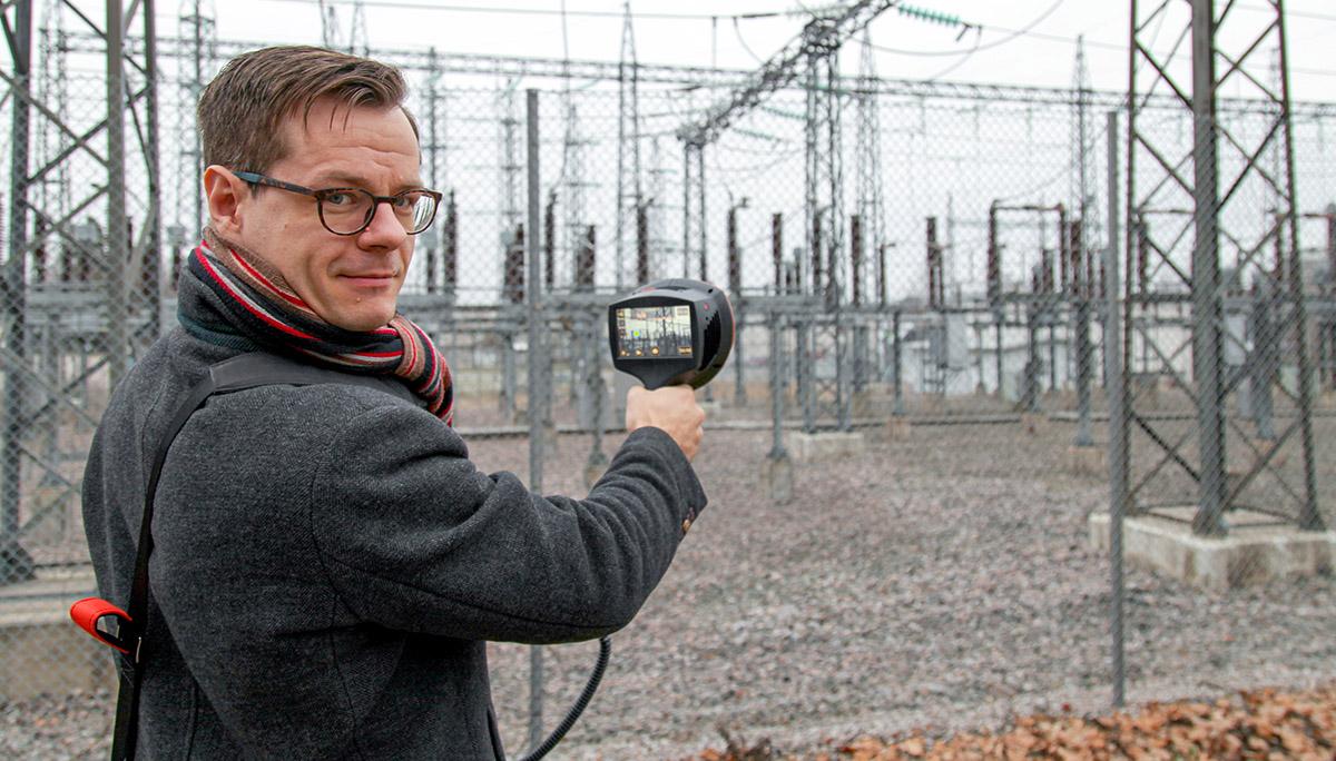 NL Acousticsin toimitusjohtaja Kai Sakselan mukaan äänikamera ei korvaa lämpökameraa, mutta akustisella kameralla pystytään ennakoimaan komponenttien vikaantumista usein jo ennen kuin viasta aiheutuu tavanomaisesta poikkeavaa lämpenemistä.
