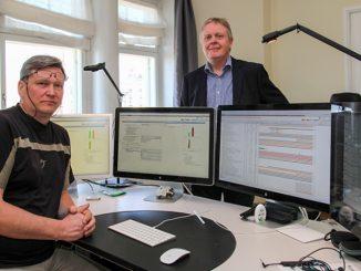 Mercus Softwaren Valeri Tiik ja Sähköinfon osastopäällikkö Juha Grönlund miettivät, kuinka pakettirekisterin tarjoamat asennusten kestoarviot saataisiin vastaamaan parhaiten todellisuutta Broker-ohjelmiston projektinhallintalaskelmissa.