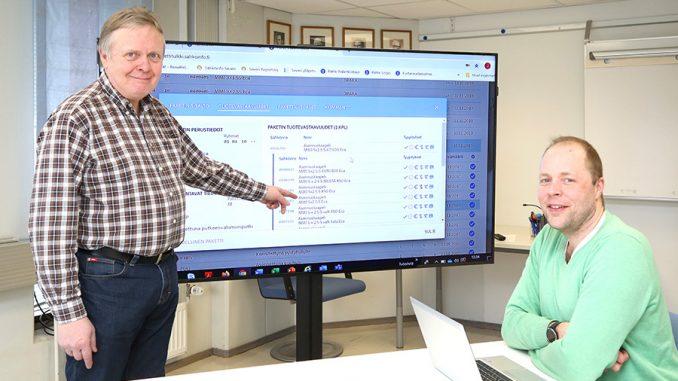 Pakettirekisteriä 1980-luvulta lähtien kehittänyt Juha Grönlund perehdytti seuraajaansa Antti Kiviojaa helmikuussa rekisterin pakettivastaavuuksien saloihin.