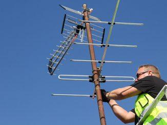 Parhaan kuvanlaadun saaminen saattaa edellyttää antennin suuntauksen tarkistamista. Kuva Mikko Arvinen