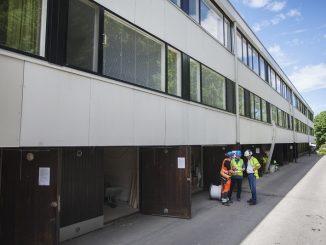 Yhteensä 36 asunnosta koostuva Niemenmäenkuja 2 on linja- ja sähkösaneerattavana vuoden loppuun. Kerrallaan työn alla on 6 - 18 asuntoa. Kuva Raisa-Kyllikki Ranta.